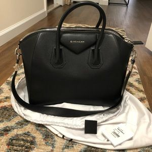 Givenchy Medium Antigona - Black